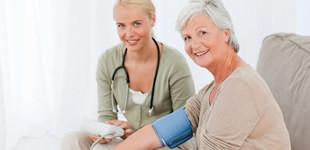 Ad-e első fokú hipertóniás csoportot magas vérnyomás és annak jelei