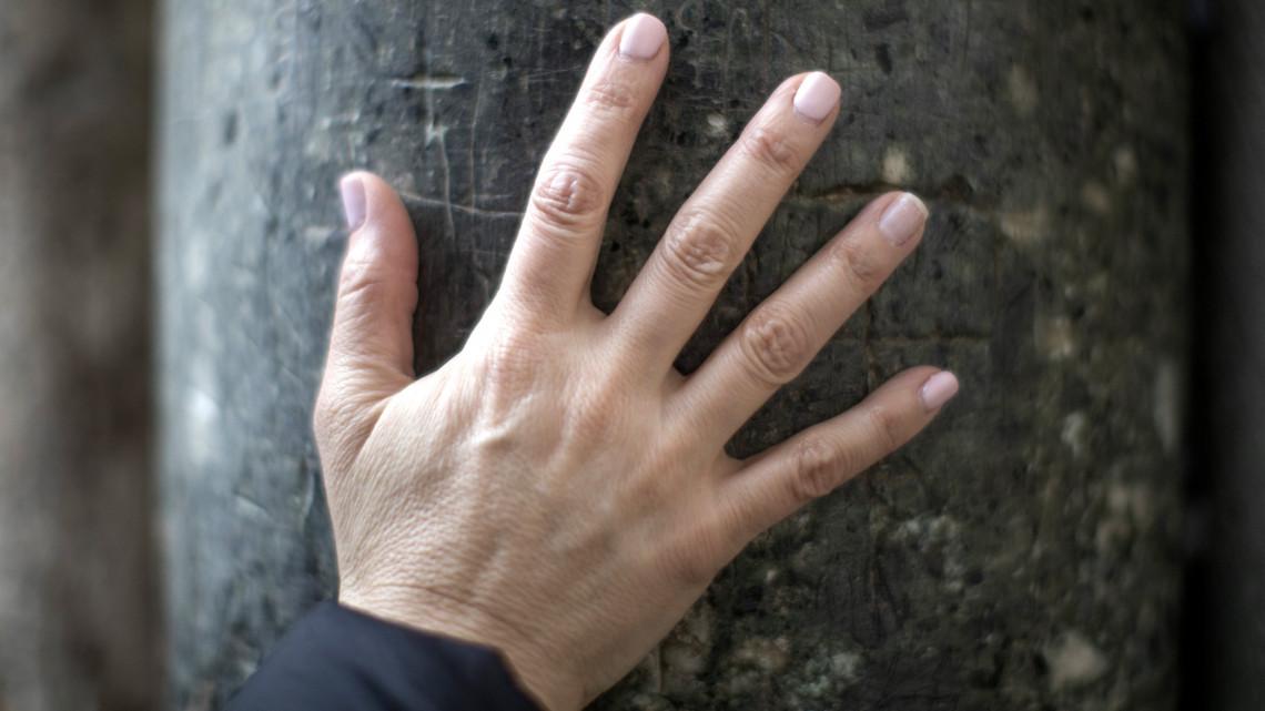 az ujjak zsibbadása hipertóniával