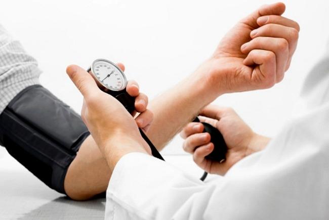 a magas vérnyomás nem csökkenthető magas vérnyomás esetén testnevelést végezhet