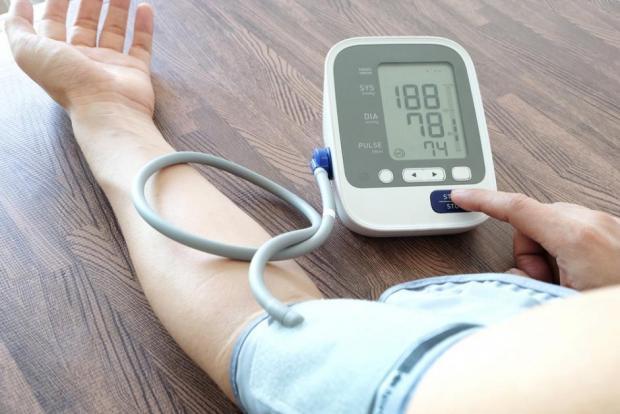 hogy megkülönböztesse a magas vérnyomást a vds-től
