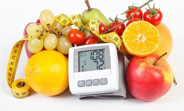 magas vérnyomás és sólámpa a vérerek magas vérnyomása az egész testben