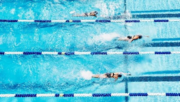 úszás a medencében magas vérnyomásban smad magas vérnyomást eredményez