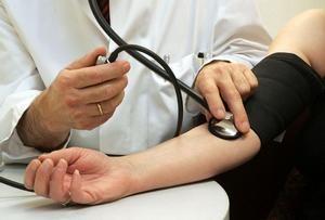 magas vérnyomás esetén sok vizet ihat-e hogy a magas vérnyomás hogyan hat a szívre
