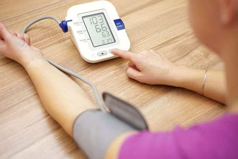 magas vérnyomás üzleti út