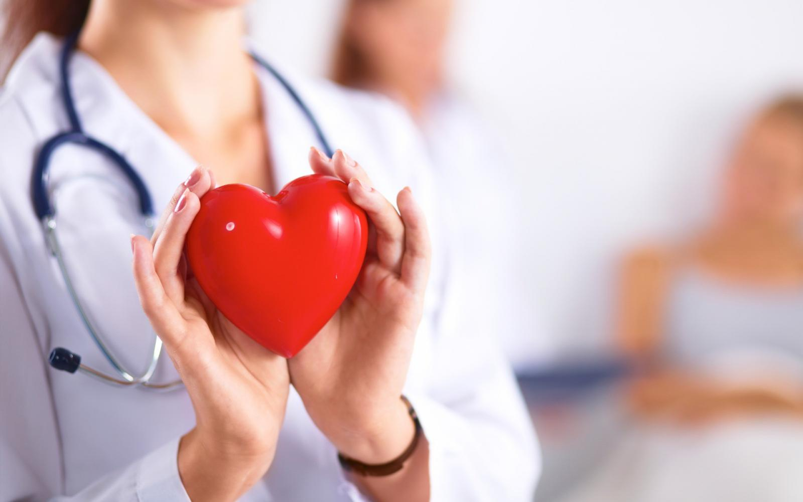 a szív ütése magas vérnyomásban