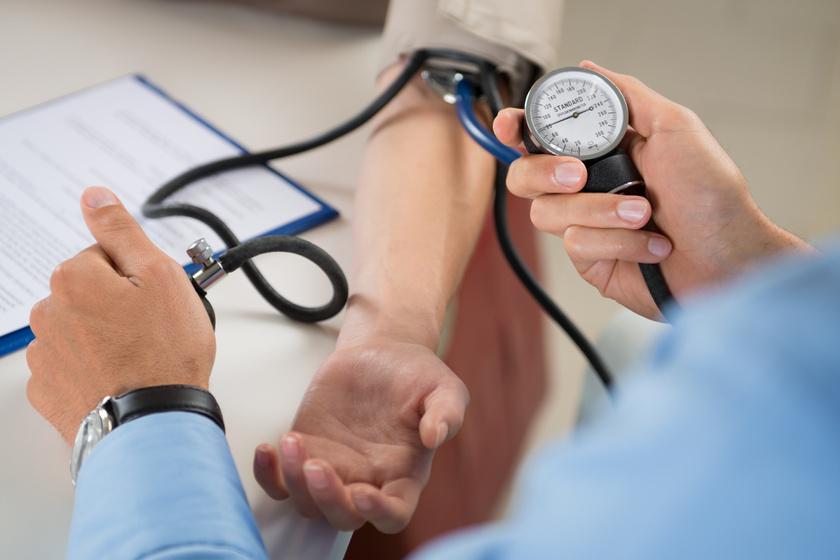 magas vérnyomású óra nappali kórház magas vérnyomás miatt