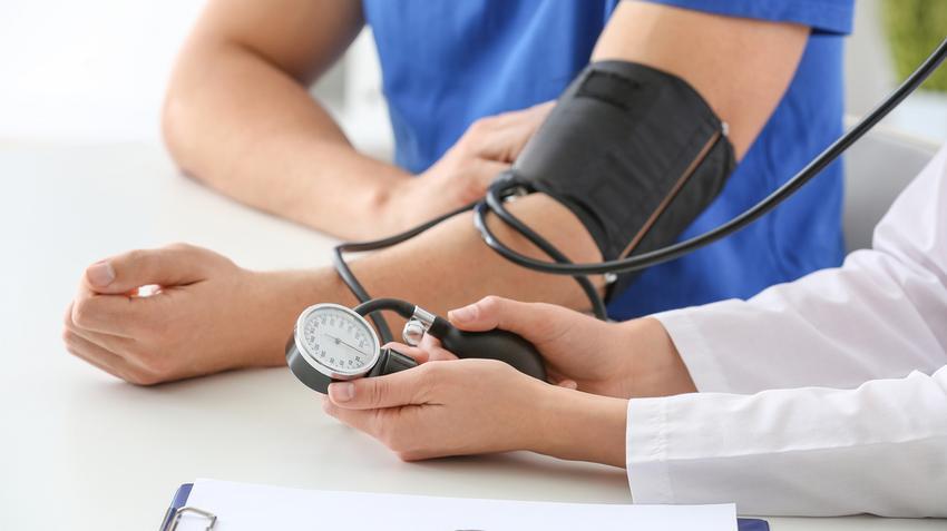az összes magas vérnyomással járó jel