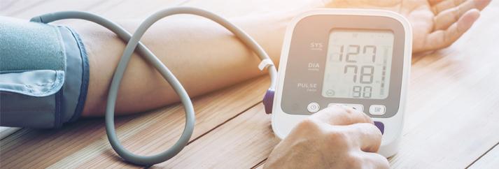 a magas vérnyomásra jellemző típusú hipertóniával